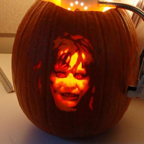 exorcist-regan-pumpkin-face