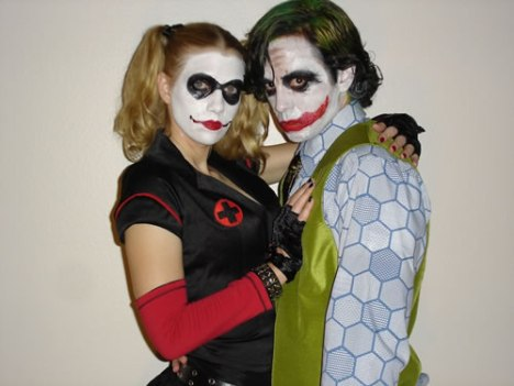 57 Harley Quinn and Joker