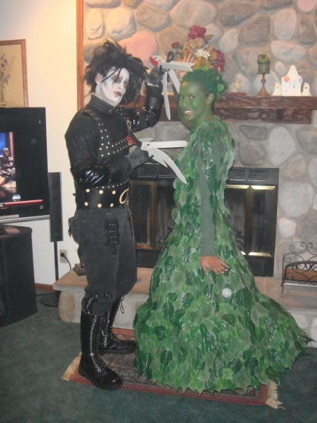 71 Edward Scissor Hands and a Tree